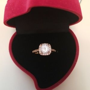 Jewelry - Nib Dipped Rose Gold Diamond Ring Size 6